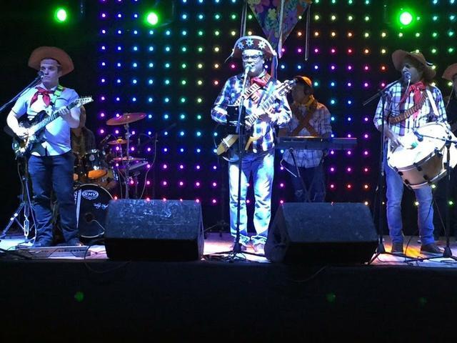 Resultado de imagem para banda de festa junina
