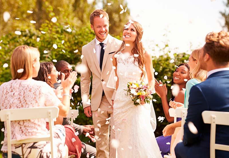 11 dicas de etiqueta para saber como se comportar em casamento