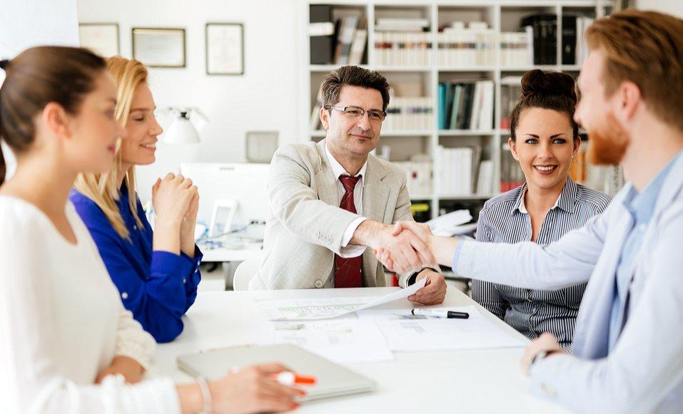 Como organizar evento perfeito: conte com parcerias