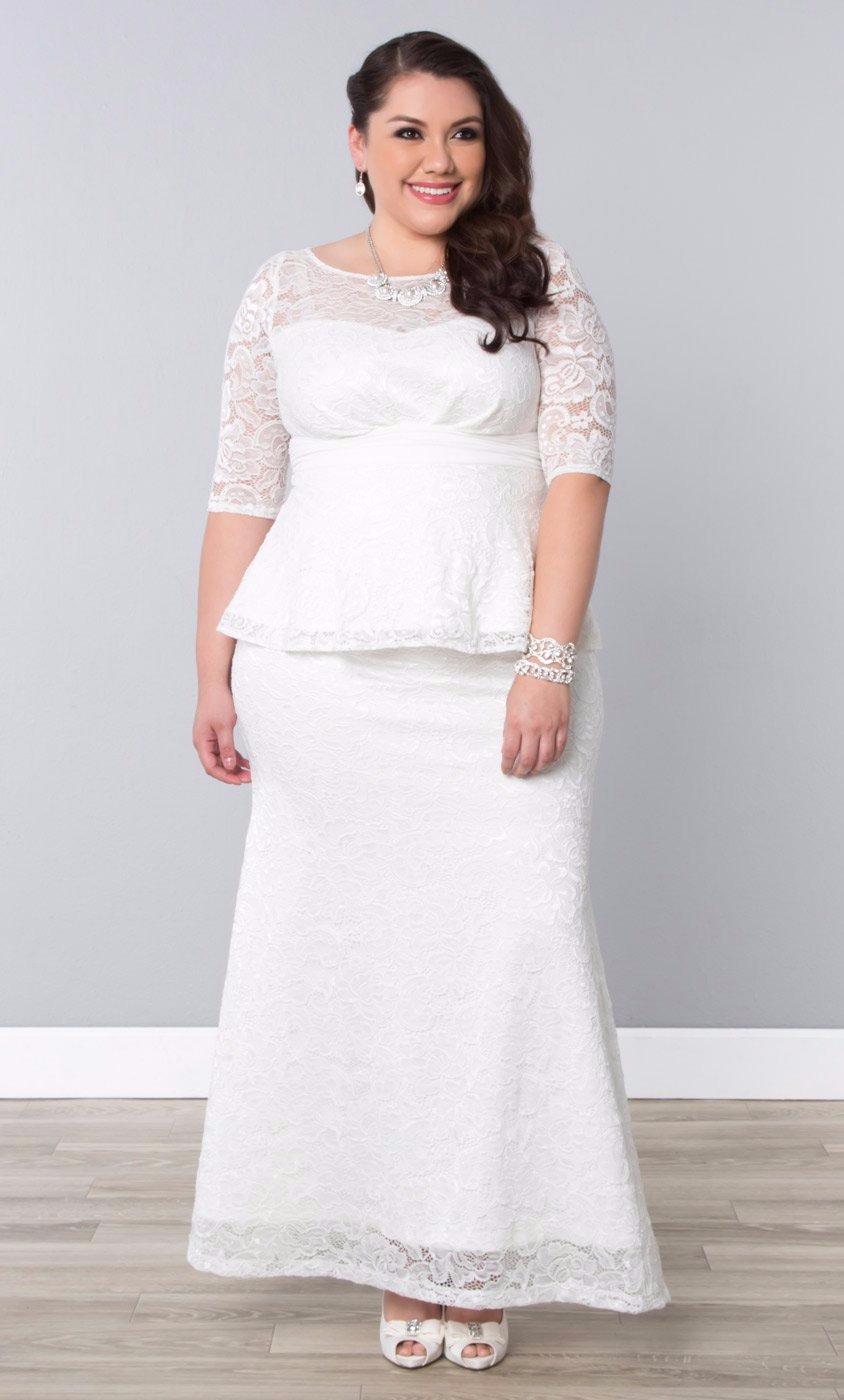 Vestido de noiva plus size com decote redondo
