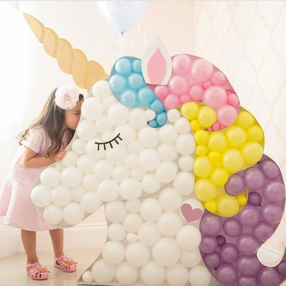 Unicórnio de balão