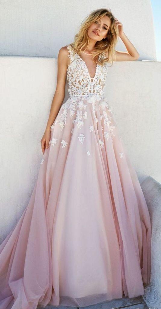 Conheça os vestidos de noiva que são tendência
