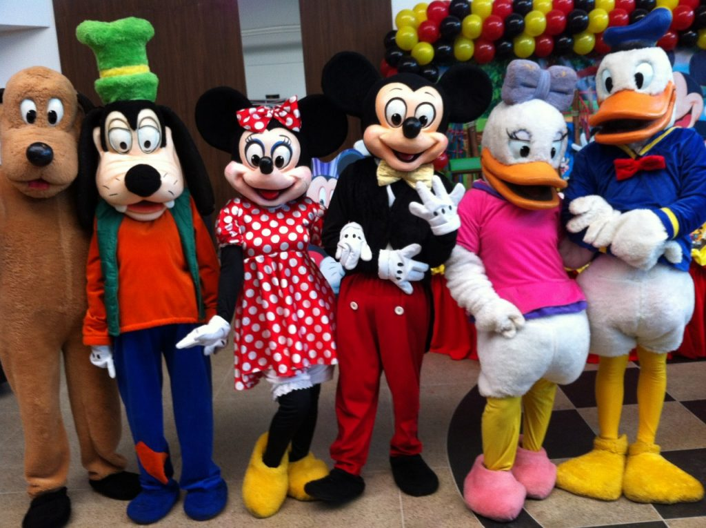 9 Melhores personagens vivos para animar festas