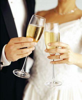Champagne-Wedding-Toast.jpg