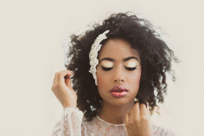 Maquiagem iluminada para noivas de pele negra