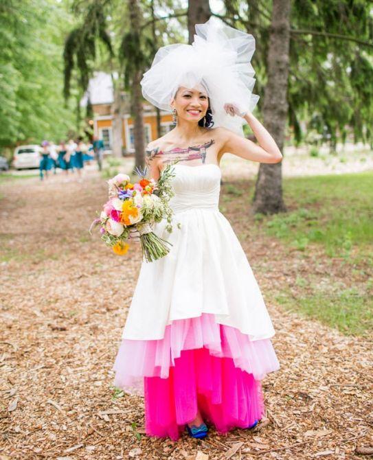 Vestido de Noiva Rosa Choque