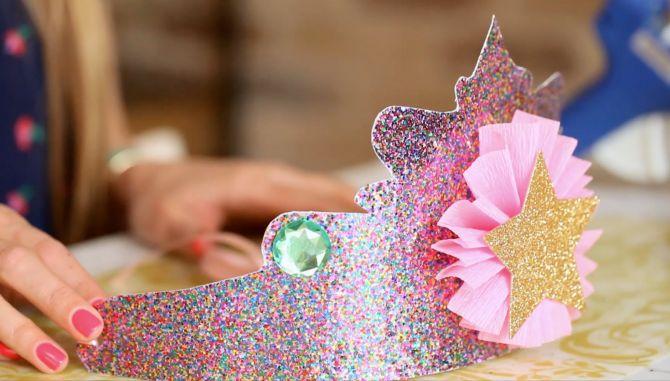 Chapéu de princesa para festa na escola