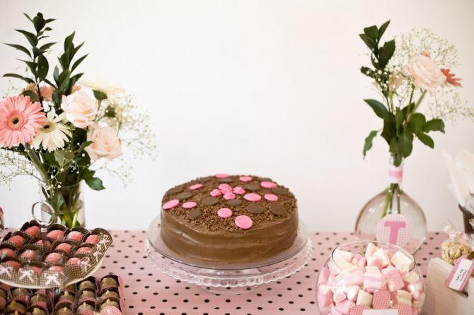 bolo brigadeiro rosa e marrom