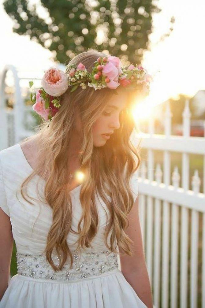 Tiara para noivas de flores peônias