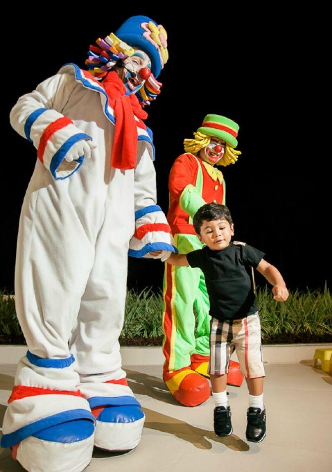Palhaço é animação garantida na festa infantil!