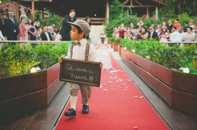 Quadro negro anuncia a chegada da noiva
