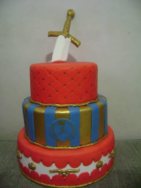 Resultado de imagem para bolo de festa Medieval