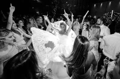Resultado de imagem para casamento também podem trazer novidades, como painéis, cenários, cortinas de LED e iluminações robóticas,