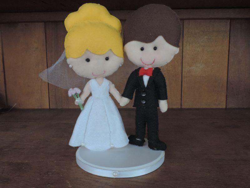Resultado de imagem para bolo de feltro de casamento