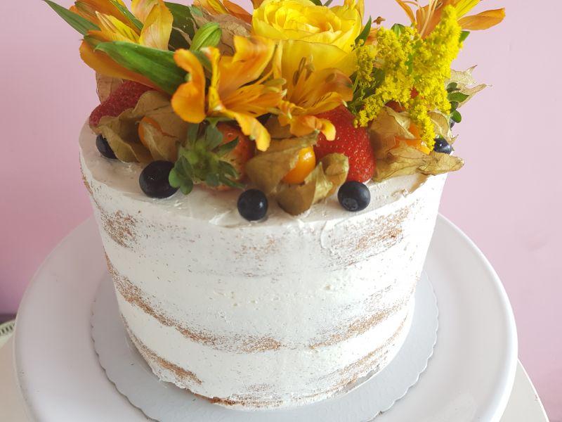 Bolo Semi Naked Cake frutas vermelhas 12 fat Barra da